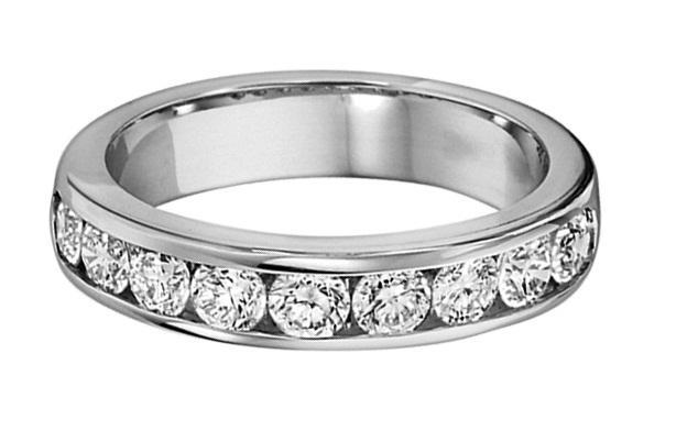 1/3 ctw Diamond Band in 14K White Gold/DA11AB