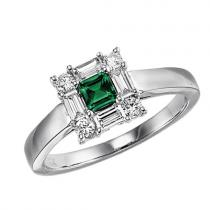 Emerald & Diamond  Ring set in 14K Gold